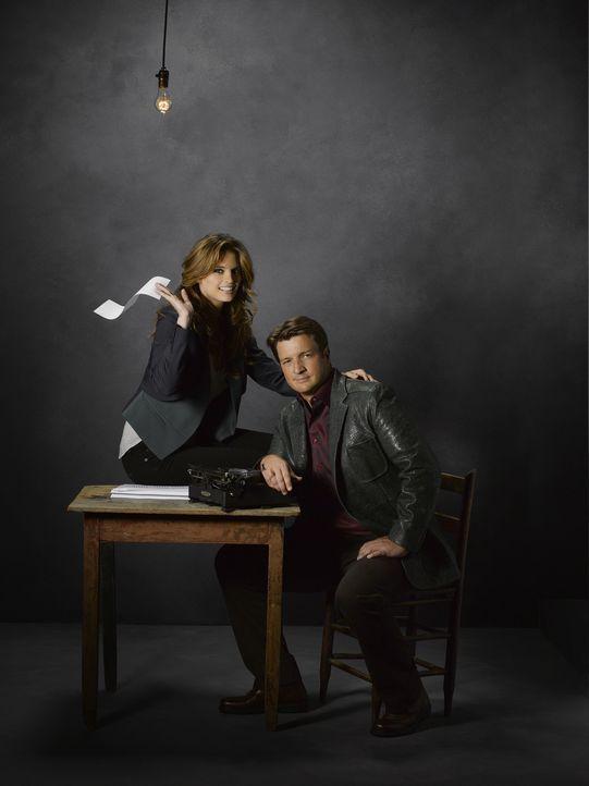 (5. Staffel) - Richard Castle (Nathan Fillion, r.) will auch weiterhin Kate Beckett (Stana Katic, l.) zur Seite stehen. Auch privat? - Bildquelle: ABC Studios