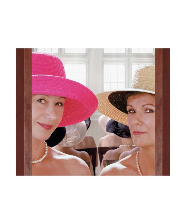 Chris (Helen Mirren, l.) und Annie (Julie Walters, r.) sind, obwohl völlig unterschiedlichen Charakters, seit Jahren beste Freundinnen, doch ihre Fr... - Bildquelle: Jamie Midgley Buena Vista Pictures Distribution /   Touchstone Pictures. All Rights Reserved.