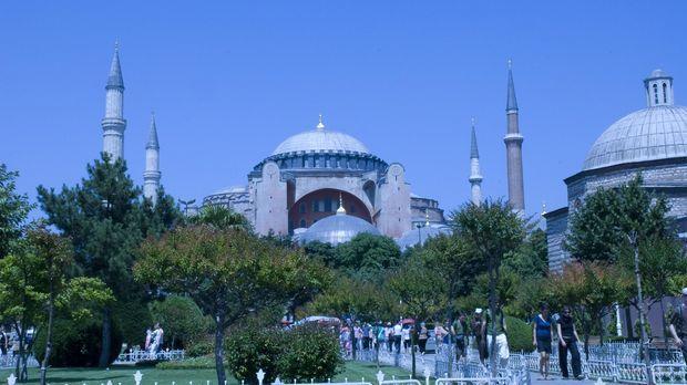 Als byzantinische Kirche 537 n. Chr. erbaut, 500 Jahre als Moschee genutzt un...