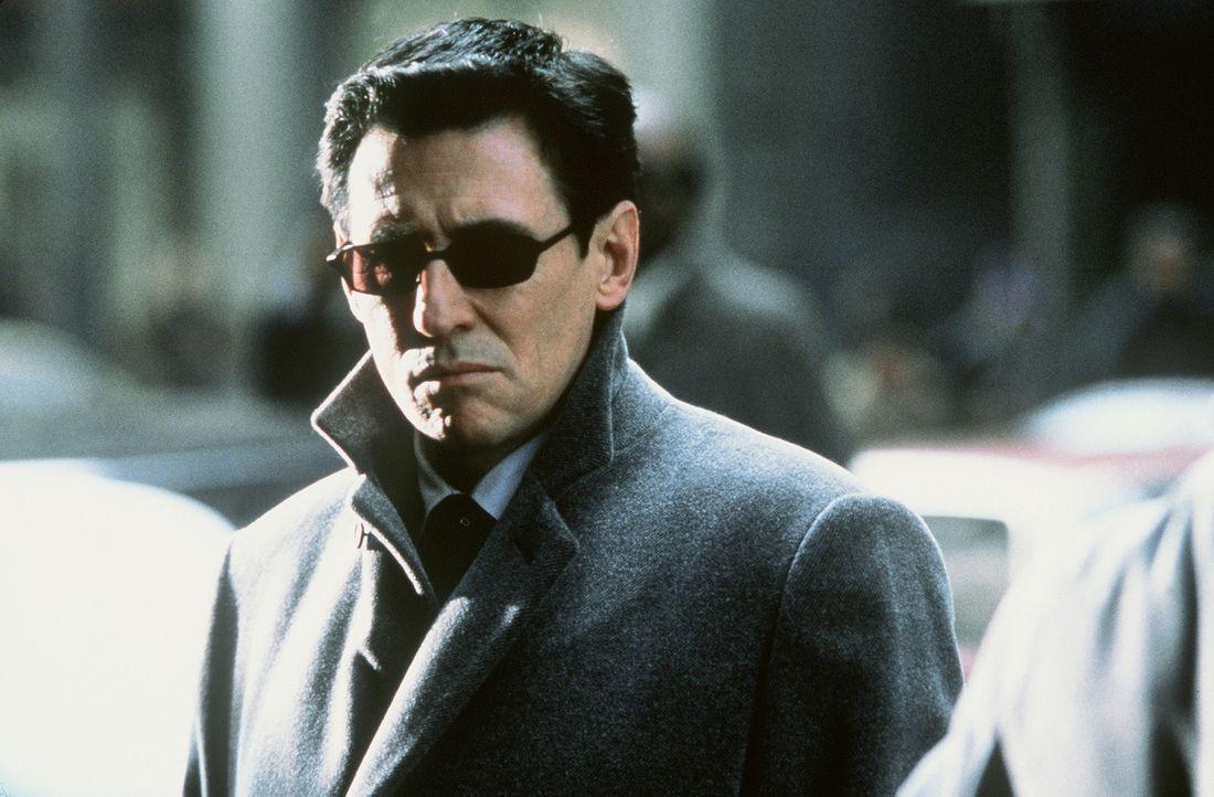 Luzifer (Gabriel Byrne) entsteigt der Hölle, um sich die geweissagte Braut zu suchen, die den Anti-Christen zur Welt bringen soll, damit er sich au...