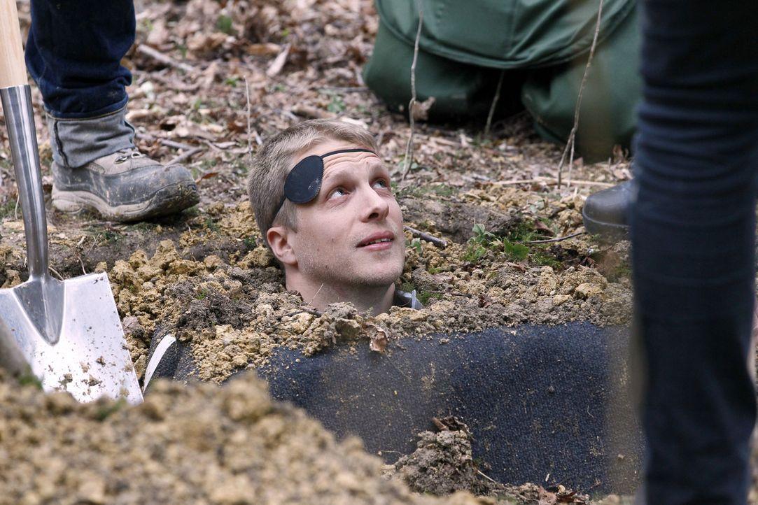 """Oliver Pocher wird in """"Reingelegt - Die lustigsten Promi-Fallen"""" reingelegt ... - Bildquelle: SAT.1"""