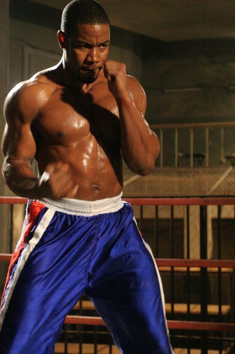 Unschuldig im härtesten Knast Sibiriens gelandet, bereitet sich Boxer George Chambers (Michael Jai White) auf einen Kampf vor, den er gar nicht kämp... - Bildquelle: Nu Image Films