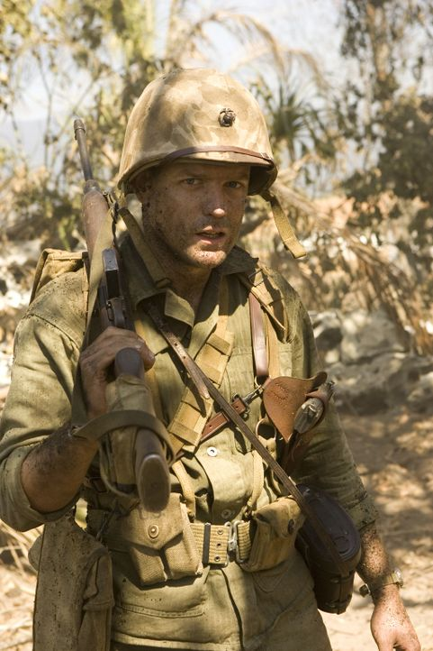 """Der Angriff auf Peleliu ist ein einziges Gemetzel: Captain """"Ack Ack"""" Haldane (Scott Gibson) ... - Bildquelle: Home Box Office Inc. All Rights Reserved."""