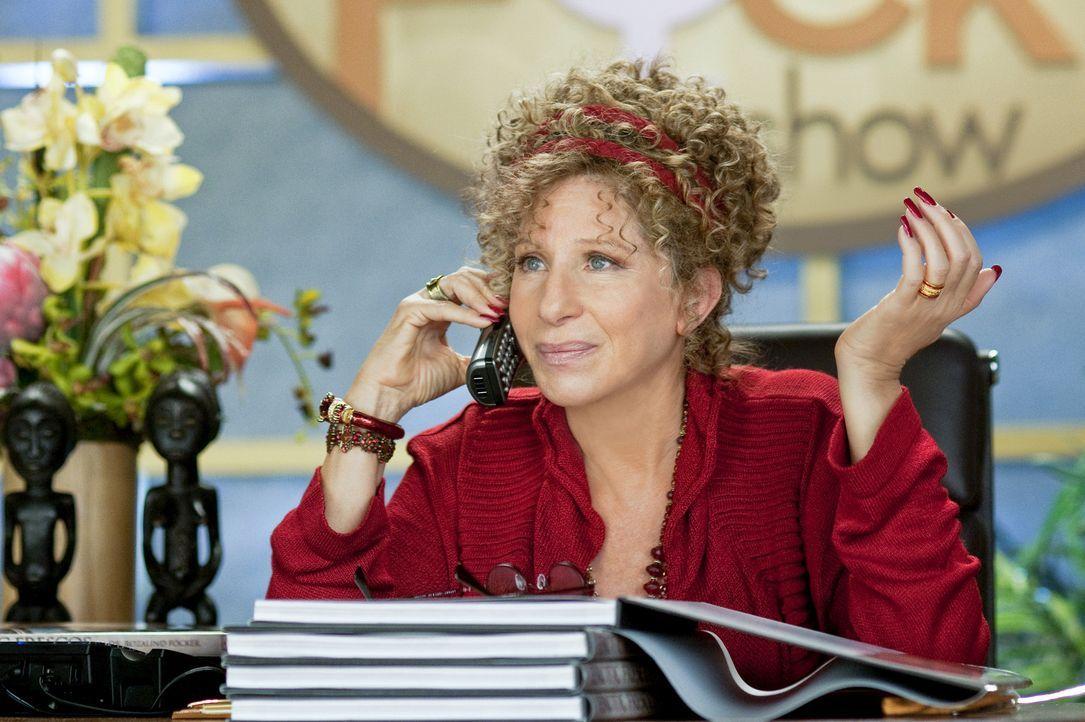 """Mit ihrer eigenen Fernsehsendung  zum Thema """"befriedigendes Sexleben"""" hat Gregs Mutter Roz Focker (Barbra Streisand) alle Hände voll zu tun ... - Bildquelle: Glen Wilson 2010 Universal Studios & DW Studios LLC"""