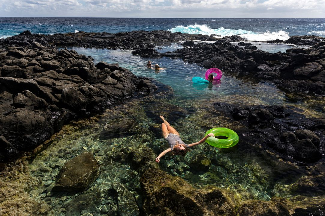 "Baden in traumhafter Kulisse und türkisblauem Wasser: Möglich ist das in den ""Makapu'u Tide Pools"" auf Hawaii ... - Bildquelle: 2017,The Travel Channel, L.L.C. All Rights Reserved"