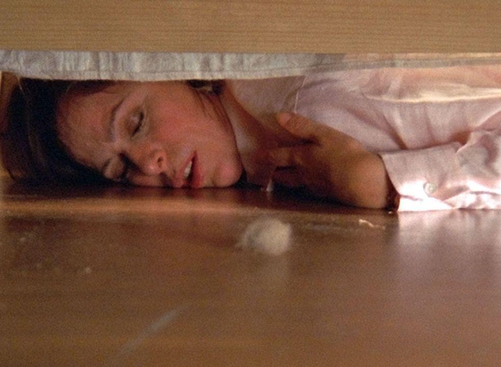 Lois (Jane Kaczmarek), die tagelang nicht geschlafen hat, fällt völlig übermüdet ins Bett und ist zu nichts mehr zu gebrauchen ... - Bildquelle: TM +   2000 Twentieth Century Fox Film Corporation. All Rights Reserved.