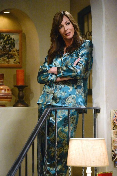 Bonnie (Allison Janney) hält es für keine gute Idee, dass Christy ihren Exmann Baxter wieder öfter sieht, zumal dieser verlobt ist. Doch Christy hör... - Bildquelle: 2015 Warner Bros. Entertainment, Inc.
