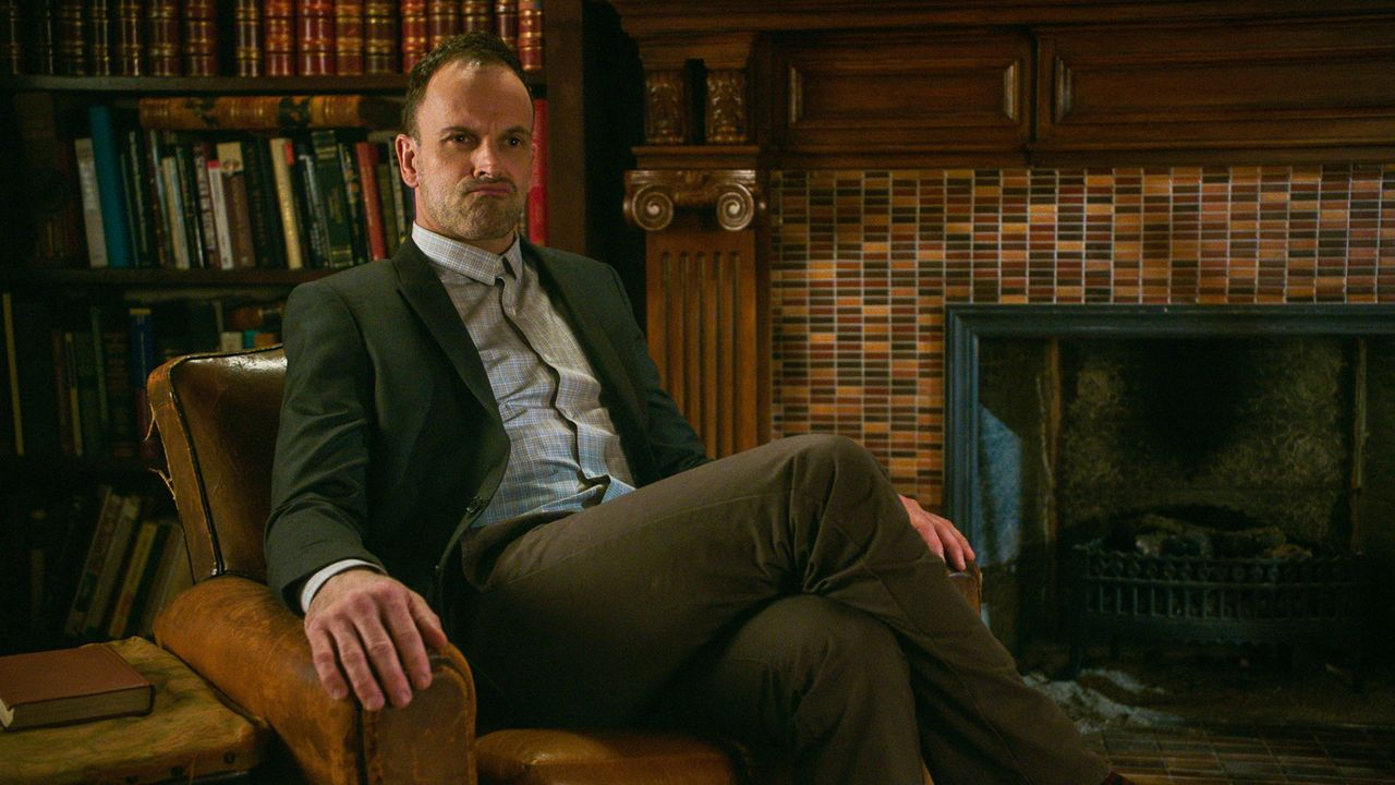 Sherlock Holmes (Jonny Lee Miller) - Bildquelle: 2018 CBS Broadcasting, Inc. All Rights Reserved