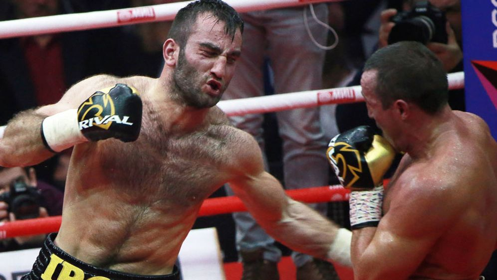 Murat Gassiev (l.) will im WBSS-Halbfinale den nächsten Coup landen - Bildquelle: imago