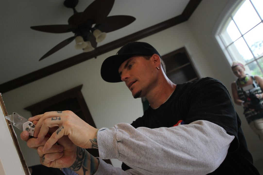 Robert Van Winkle alias Rapper Vanilla Ice - Bildquelle: 2014, DIY Network/Scripps Networks, LLC. All Rights Reserved.