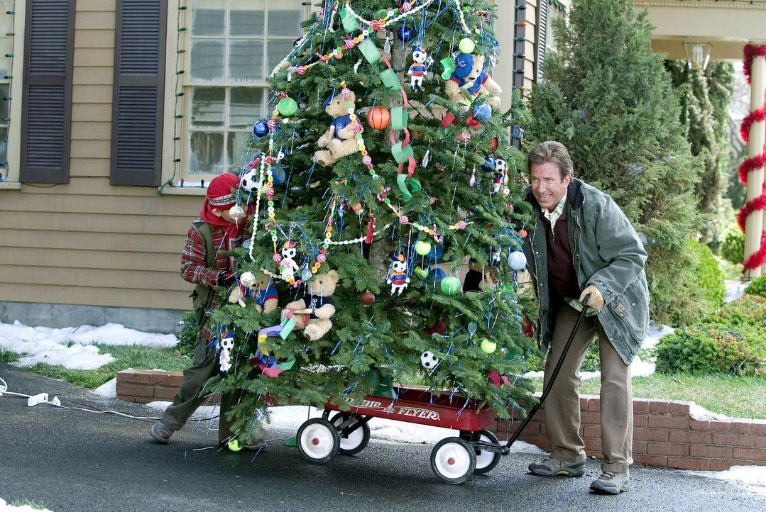 Als sich kurzfristig ihre Tochter Blair für die Weihnachtsfeiertage anmeldet, müssen sich Luther Krank (Tim Allen, r.) und seine Frau Nora (Jamie... - Bildquelle: 2004 Revolution Studios Distribution Company, LLC. All Rights Reserved.