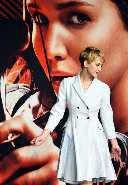 Jennifer-Lawrence-Tribute2-Premiere-Berlin-131112-2-AFP - Bildquelle: AFP