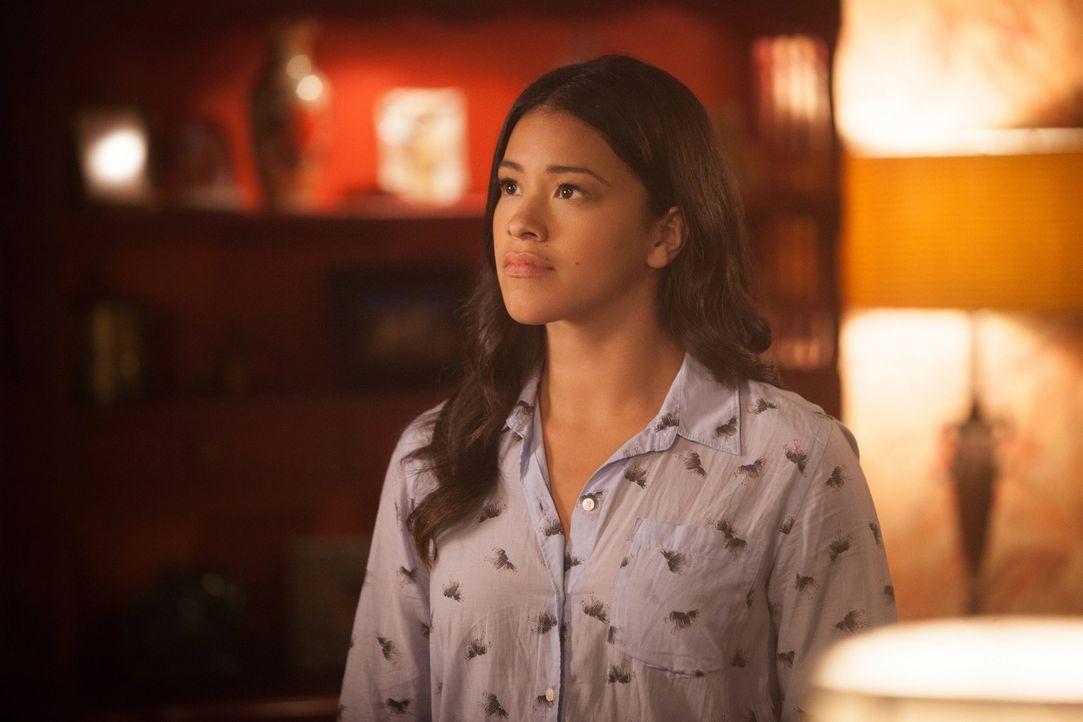 Als Jane (Gina Rodriguez) Mateos Entführung entdeckt, bricht das Chaos aus ... - Bildquelle: Patrick Wymore 2015 The CW Network, LLC. All Rights Reserved.