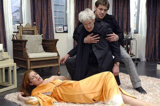 Anna und die Liebe - Im letzten Moment rettet Jonas (Roy Peter Link, r.) Nata...