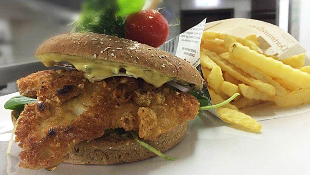 Erdnuss Hähnchen Burger - Bildquelle: kabeleins