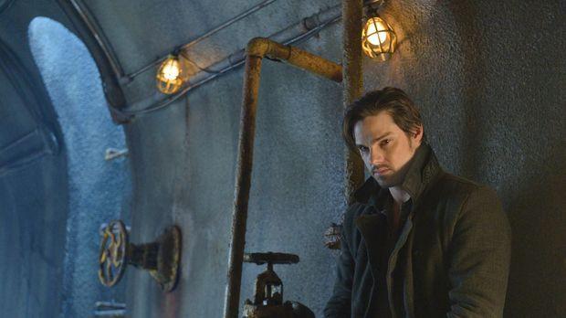Das ewige Versteckspiel hat Vincent (Jay Ryan) satt, doch es führt kein Weg d...