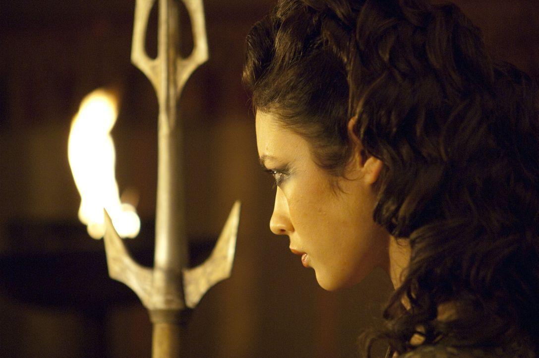 Die Römer ahnen nicht, dass Etain (Olga Kurylenko) ein äußerst attraktiver Wolf im Schafspelz ist ...