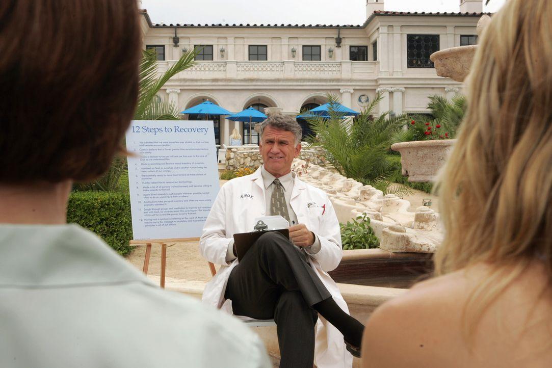 Kirstens behandelnder Arzt: Dr. Woodruff (Garrett M. Brown) ... - Bildquelle: Warner Bros. Television