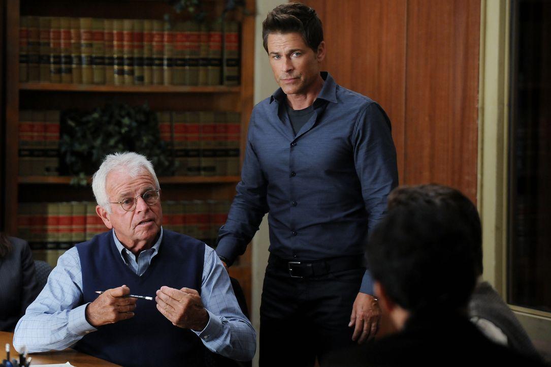 Was wird Dean Sr. (William Devane, l.) sagen, als Dean (Rob Lowe, r.) unbedingt einen eigenen Fall übernehmen möchte? - Bildquelle: 2015-2016 Fox and its related entities.  All rights reserved.
