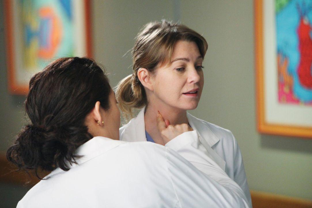 Haben einen anstrengenden Tag vor sich: Meredith (Ellen Pompeo, r.) und Cristina (Sandra Oh, l.) ... - Bildquelle: ABC Studios