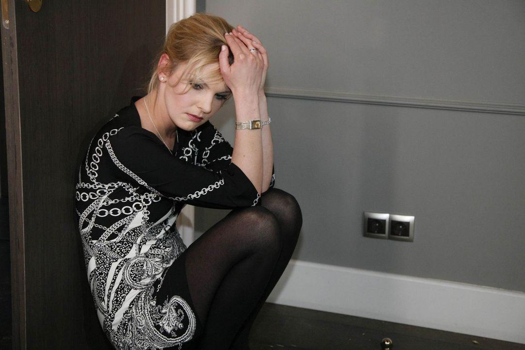 Glaubt Gina, dass Philip sie nur ausnutzt: Alexandra (Ivonne Schönherr) ... - Bildquelle: SAT.1