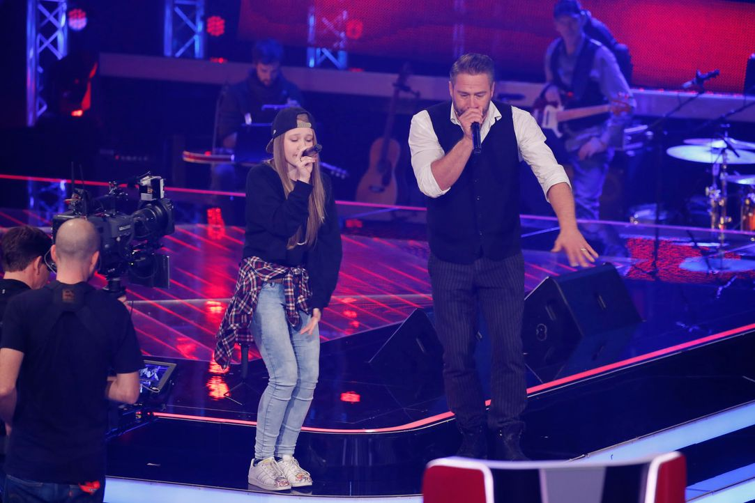 The-Voice-Kids-s04e02-Anne-2-SAT1-Richard-Huebner - Bildquelle: © SAT.1/ Richard Hübner