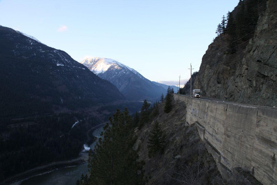 So atemberaubend die Landschaft auch ist, durch die er führt, der Coquihalla Highway in Kanada gehört zu den gefährlichsten Schnellstraßen der Welt... - Bildquelle: Beyond Distribution