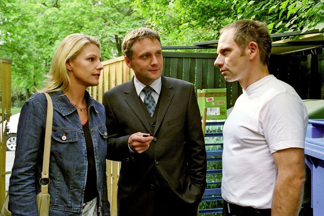 Sophie (Sophie Schütt, l.) und Anwalt Lehnhard (Bernhard Schir, M.) können nicht glauben, dass Peter Harrach (Michael Lott, r.) ein Mörder sein soll... - Bildquelle: Noreen Flynn Sat.1