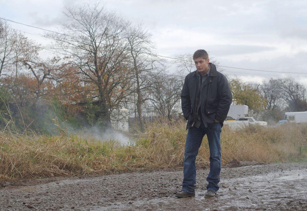 Bei einem Kampf gegen ein Monster erleidet Dean (Jensen Ackles) nach einem Elektroschock einen Herzinfarkt. Die Ärzte diagnostizieren, dass er nur n... - Bildquelle: Warner Bros. Television