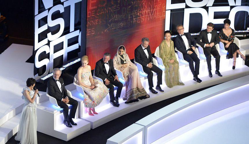 Die offizielle Jury der Cannes-Filmfestspiele 2013 - Bildquelle: AFP