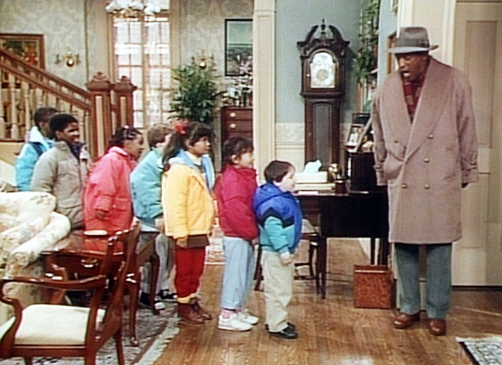 Vor dem Abmarsch ins Theater ermahnt Cliff (Bill Cosby, r.) die Kinder noch ein letztes Mal. - Bildquelle: Viacom