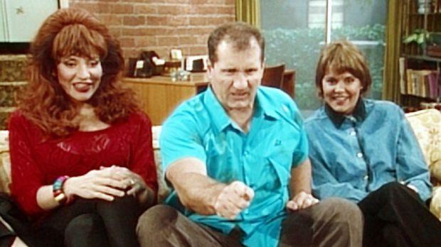 Peggy (Katey Sagal, l.) und Marcy (Amanda Bearse, r.) erfreuen sich an ihrer...