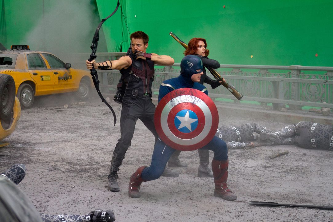 the-avengers-set-013-2011-mvlffllc-tm-2011-marveljpg 2000 x 1333 - Bildquelle: 2011 MVLFFLLC TM & 2011 Marvel