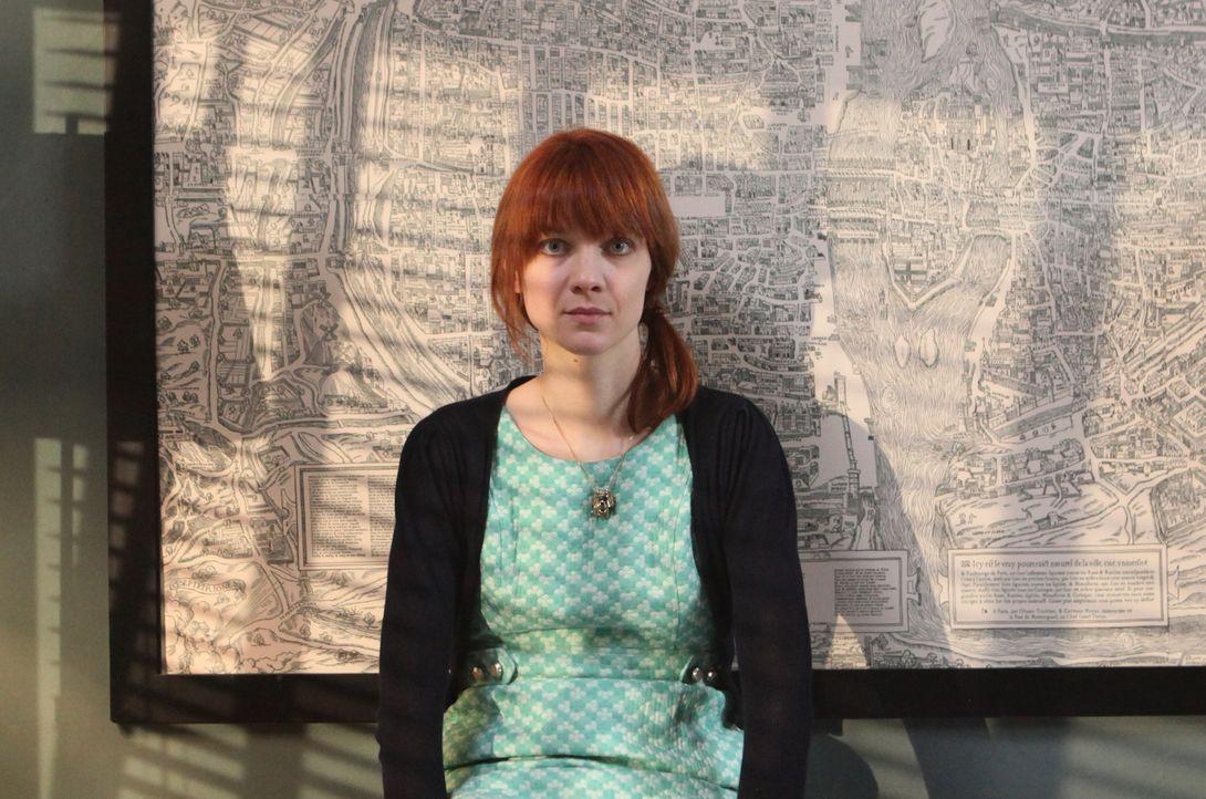 (3. Staffel) - Mit ihren ganz besonderen Ermittlungsmethoden löst Chloé (Odile Vuillemin) jeden Fall ... - Bildquelle: 2011 BEAUBOURG AUDIOVISUEL