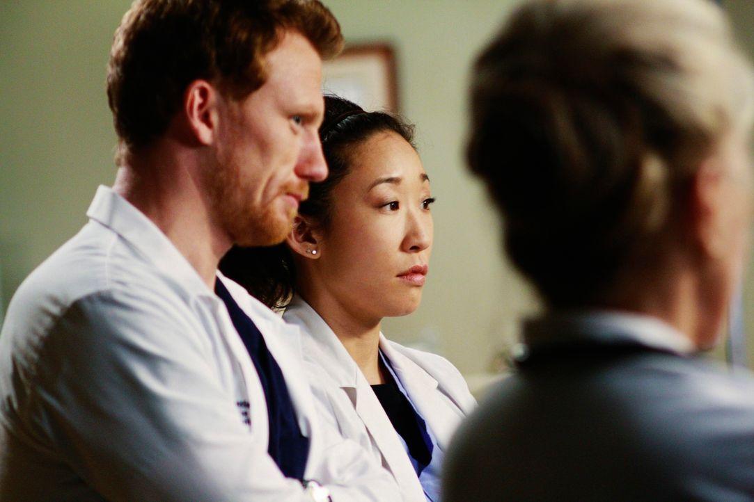 Ein turbulenter Arbeitstag: Owen (Kevin McKidd, l.), Cristina (Sandra Oh, M.) und Dr. Margaret Campbell (Faye Dunaway, r.) ... - Bildquelle: Touchstone Television