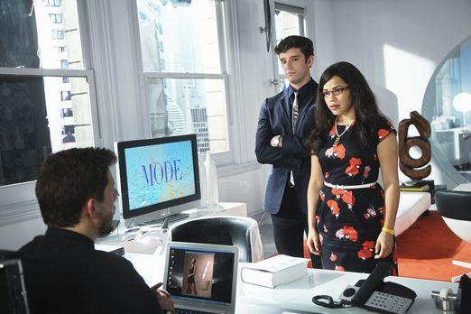 Marc (Michael Urie, l.) und Betty (America Ferrera, r.) sollen zusammenarbeit...