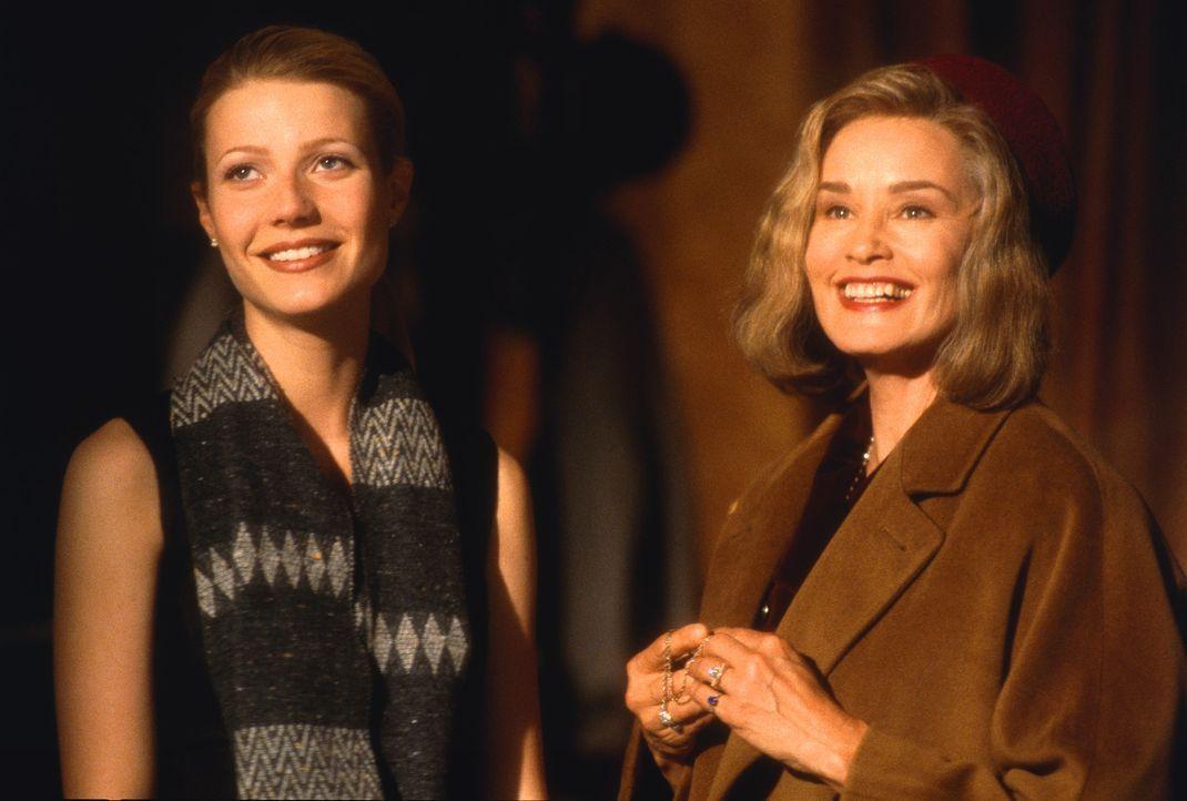 Die Schein trügt: Helen (Gwyneth Paltrow, l.) und ihre dominante Schwiegermutter Martha (Jessica Lange, r.) verstehen sich überhaupt nicht, denn M... - Bildquelle: 1998 TriStar Pictures, Inc. All Rights Reserved.