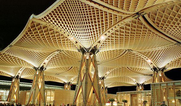 Holzdach bei der EXPO in Hannover - Bildquelle: dpa