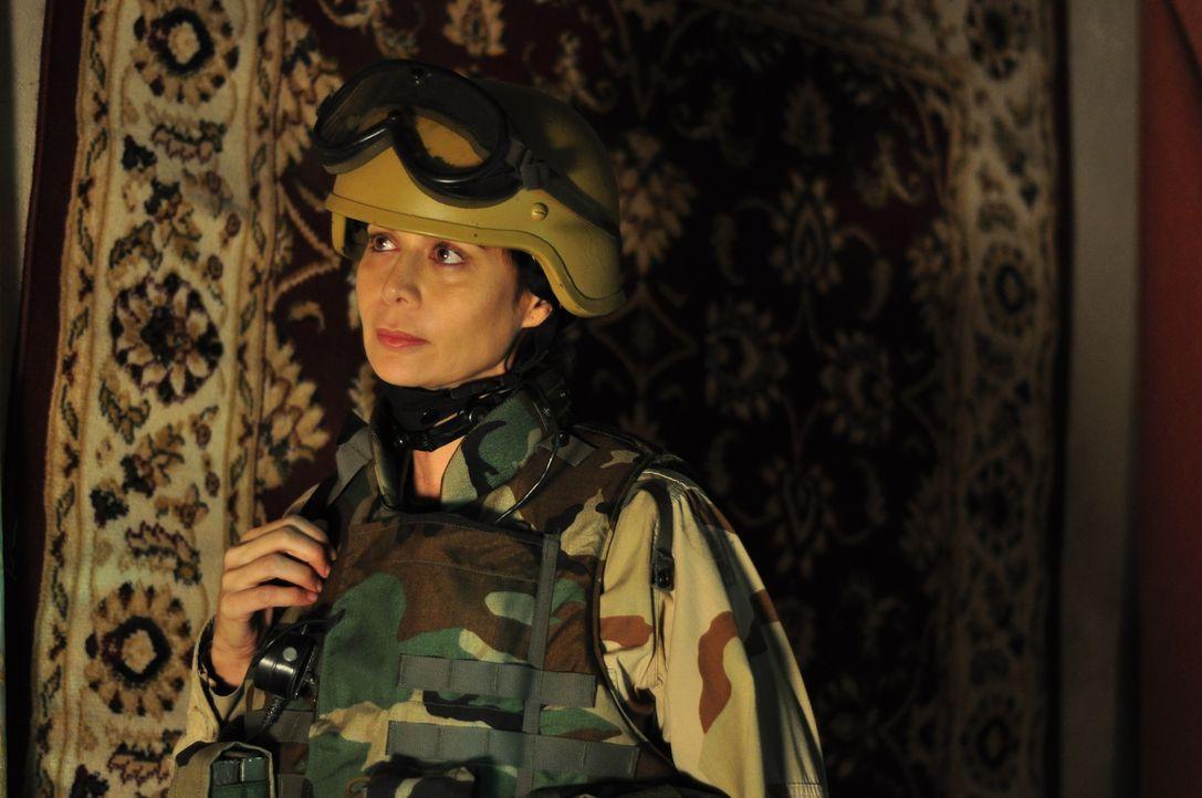 Ihr letzter Einsatz in Afghanistan geht total daneben und kostet zwei unschuldige Menschen das Leben. Einige Jahre später, Abby Collins (Catherine B... - Bildquelle: 2011 Sony Pictures Television Inc. All Rights Reserved.