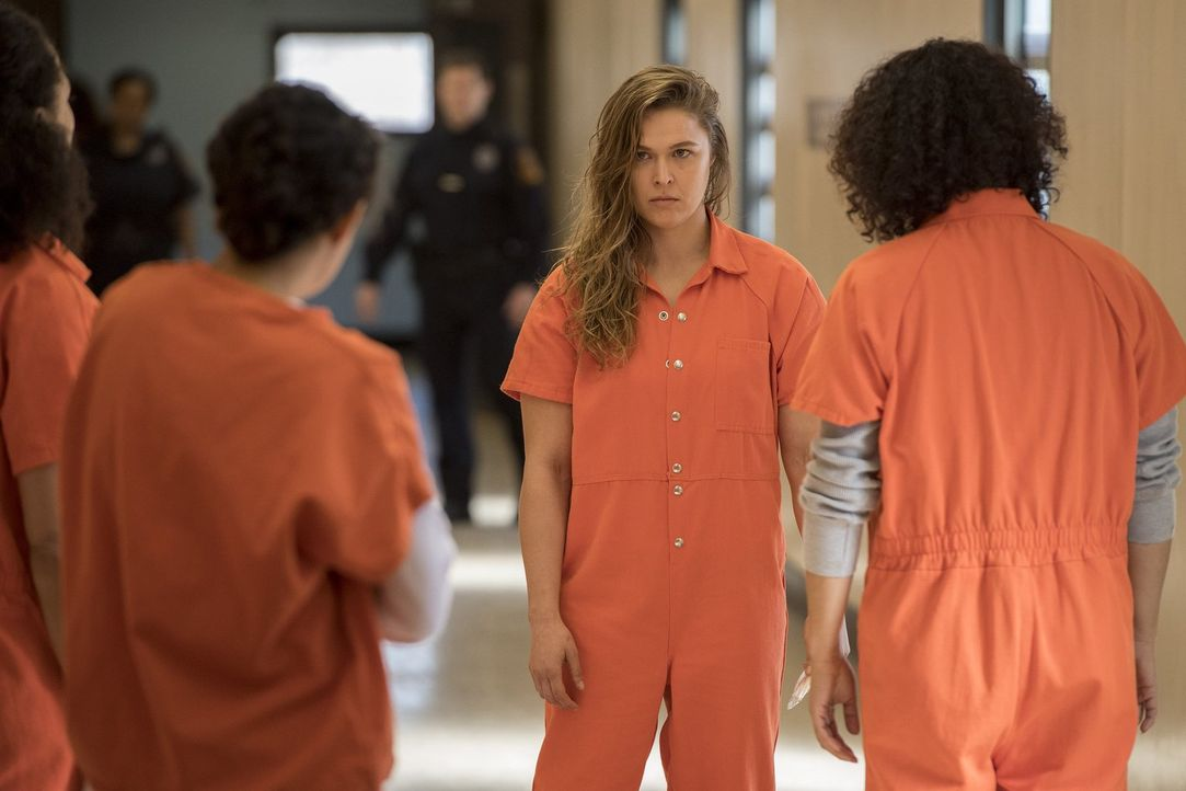 Das Leben im Gefängnis ist kein Zuckerschlecken. Das muss auch Devon Penberthy (Ronda Rousey) feststellen ... - Bildquelle: 2016 Warner Brothers