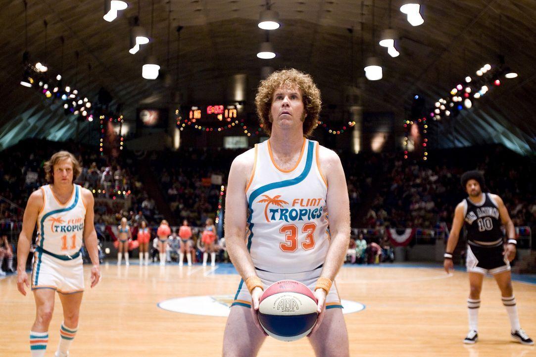 Wirf! Jackie Moon (Will Ferrell) ... - Bildquelle: 2008 Warner Brothers