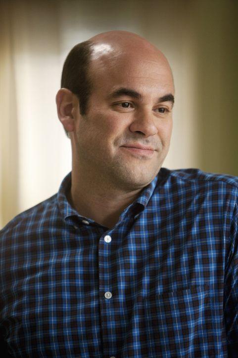 Ahnt noch nicht, dass Ellie über seine neue Errungenschaft, alles andere als begeistert ist: Andy (Ian Gomez) ... - Bildquelle: 2009 ABC INC.