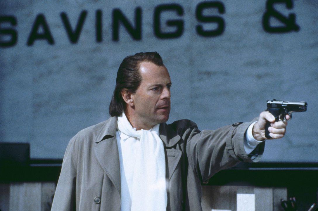 Was macht ein frisch ausgebrochener Bankräuber (Bruce Willis)? Er bleibt sich selbst treu und überfällt kurzerhand mal wieder eine Bank ... - Bildquelle: Metro-Goldwyn-Mayer