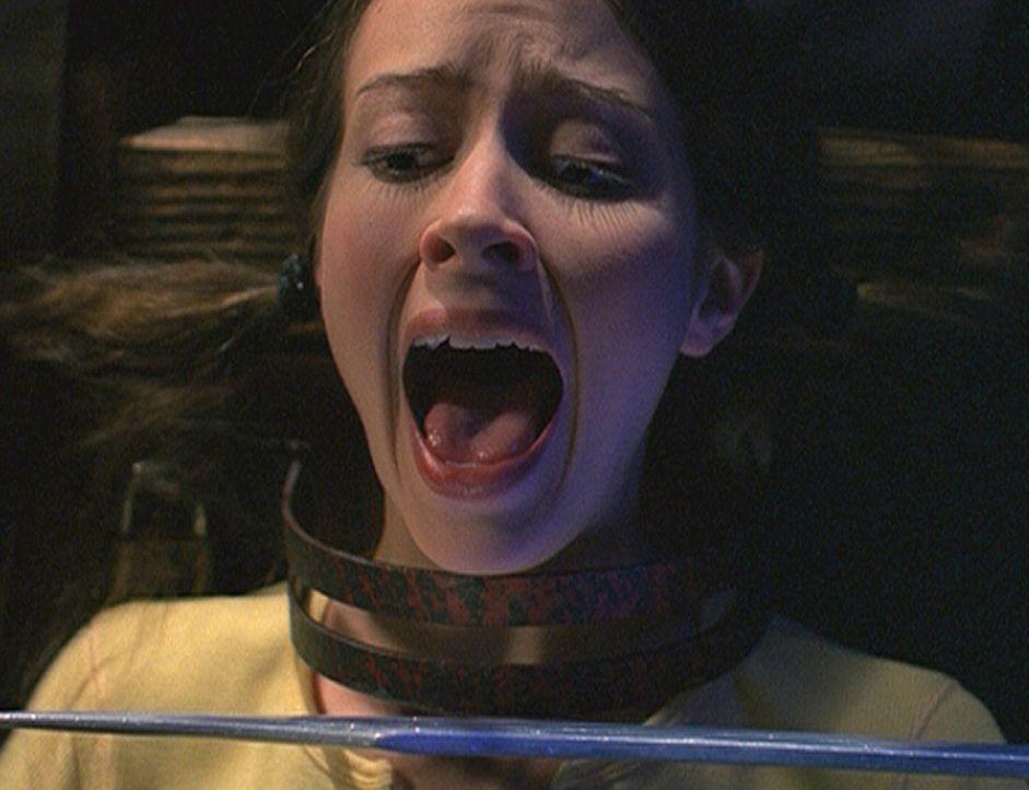 Fred (Amy Acker) läuft Gefahr, ihren klugen Kopf zu verlieren. Der soll nämlich künftig auf den Schultern des Herrschers der Nadrahs sitzen ... - Bildquelle: 20th Century Fox. All Rights Reserved.