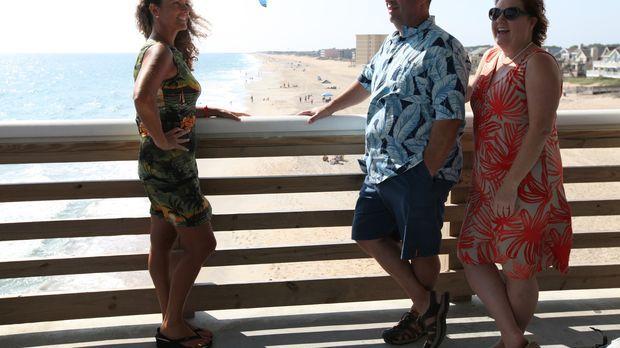 John (M.) und Tammy (r.) such nach einem Strandhaus, dass sie sich leisten kö...