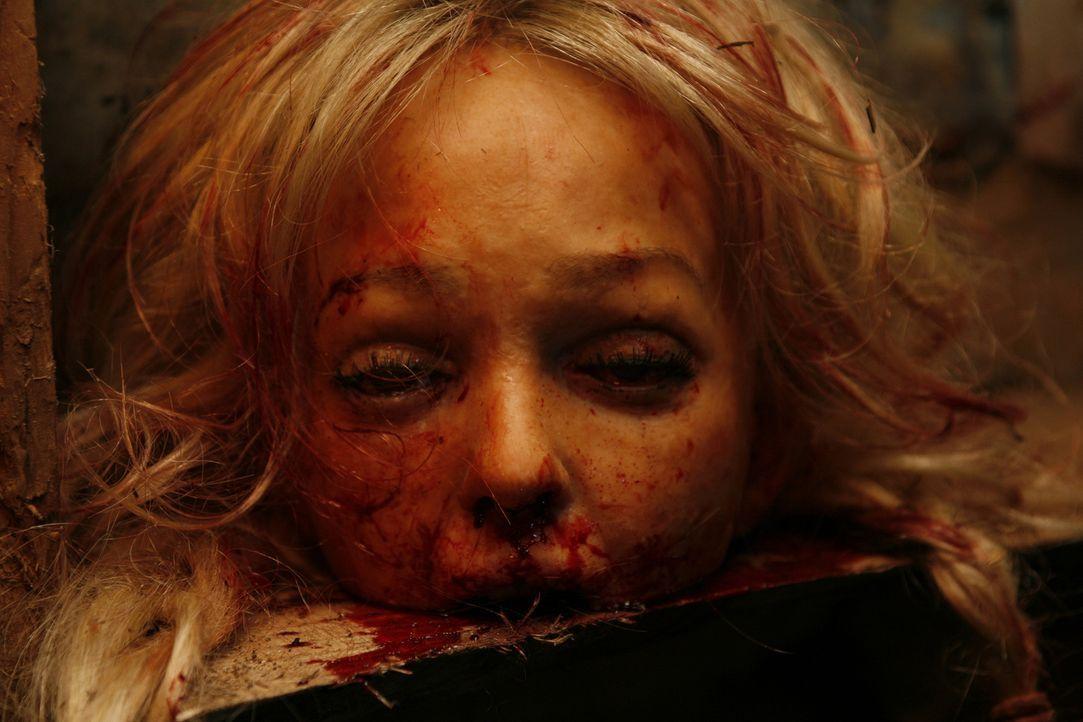 Wird Tracy (Jennifer Ellison) die schreckliche Entführung überleben? - Bildquelle: 2008 Steel Mill (Yorkshire) Limited/UK Film Council. All Rights Reserved.