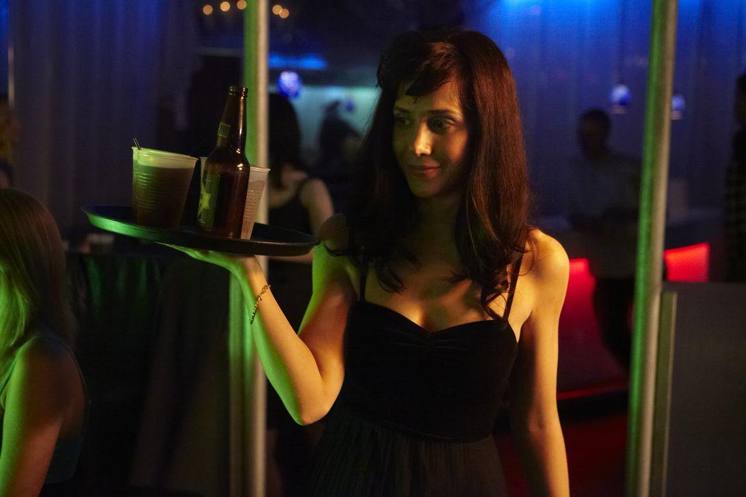 Die attraktive Kellnerin Laurie Colannino (Gaby Henderson) wird in ihrem Apartment in Clearwater, Florida, ermordet aufgefunden. Sie wurde vergewalt... - Bildquelle: Darren Goldstein Cineflix 2011