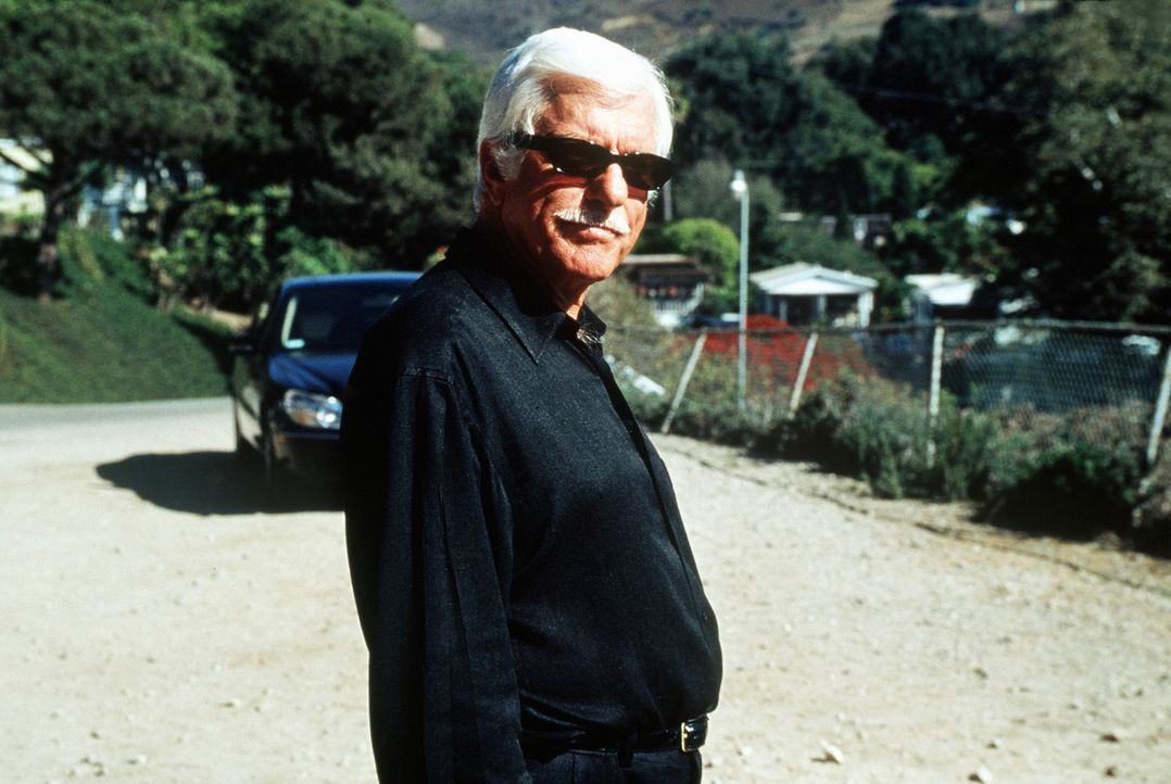 Seit 20 Jahren sitzt Mafiaboss Greg (Dick Van Dyke), der Mark wie aus dem Gesicht geschnitten ist, hinter Gittern. Als er entlassen wird, stellt er... - Bildquelle: Viacom