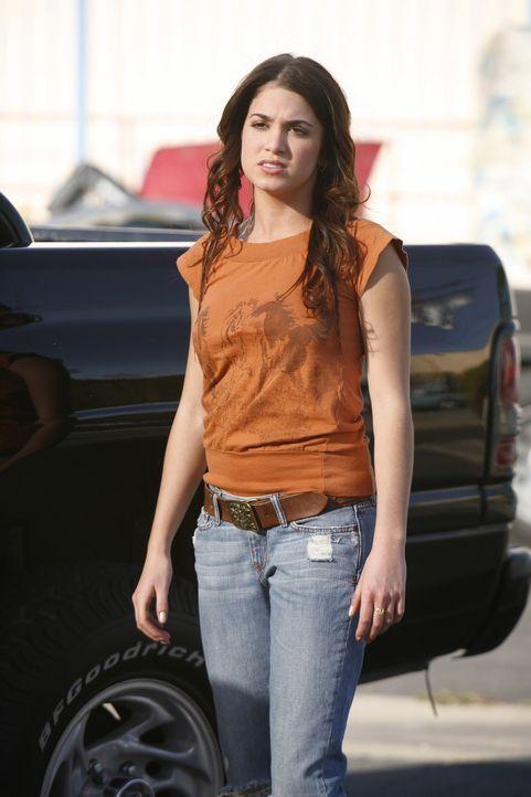 Ryan und Sadie (Nikki Reed) fahren in die Wüste, um nach Johnnys Vater zu suchen, der Gwen, Sadies Tante, Alimente schuldet. Dabei kommen sie sich... - Bildquelle: Warner Bros. Television
