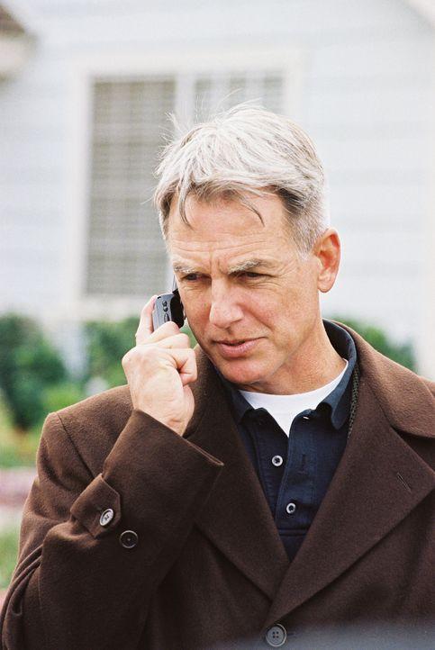 Gibbs (Mark Harmon) versucht herauszufinden, ob Lieutnant Commander Egans Arbeitgeber oder jemand anderes an dessen Mord beteiligt ist ... - Bildquelle: CBS Television